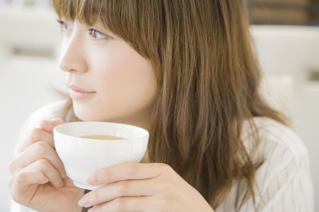 水分を取る、温かい飲み物